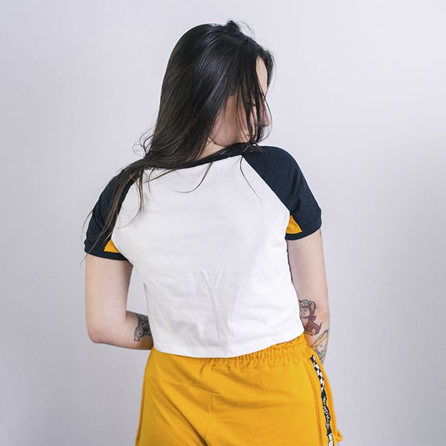 Camiseta-feminina-cropped-ringer-anjuss