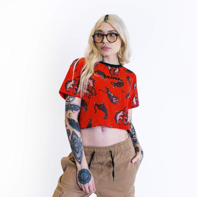 Camiseta-feminina-cropped-over-anjuss-tigers
